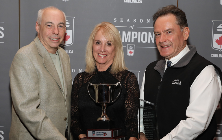 Hall summit celebrates curling